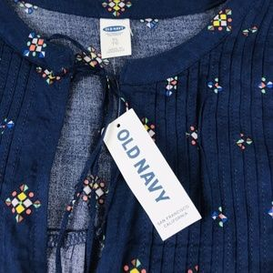 Old Navy Pintuck Swing Tie Neck Blouse Size XL NEW